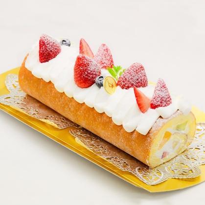 バースデーケーキ「トライフルロール」